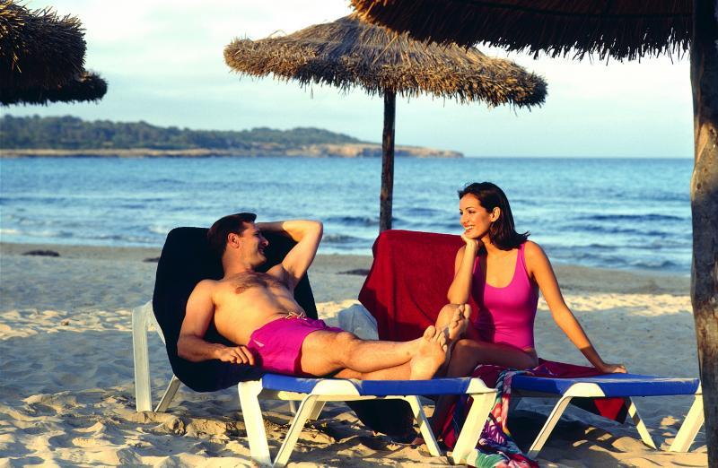 Gesprächspartner auf Singlereisen © adamare Singlereisen