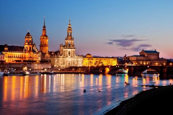 Dresden bei Nacht @ adamare Singlereisen
